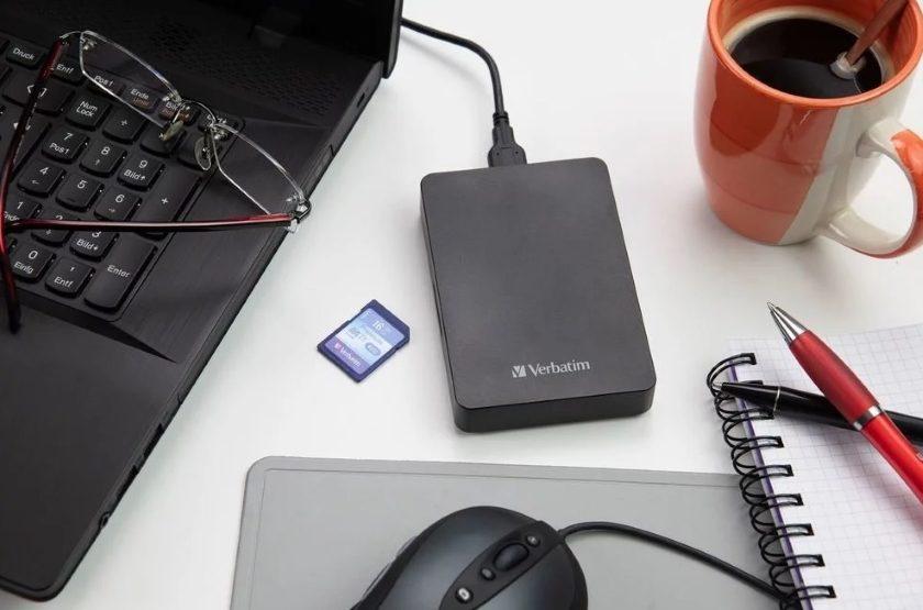 Verbatim Store n Go USB 3.0 s integrovanou čtečkou SD